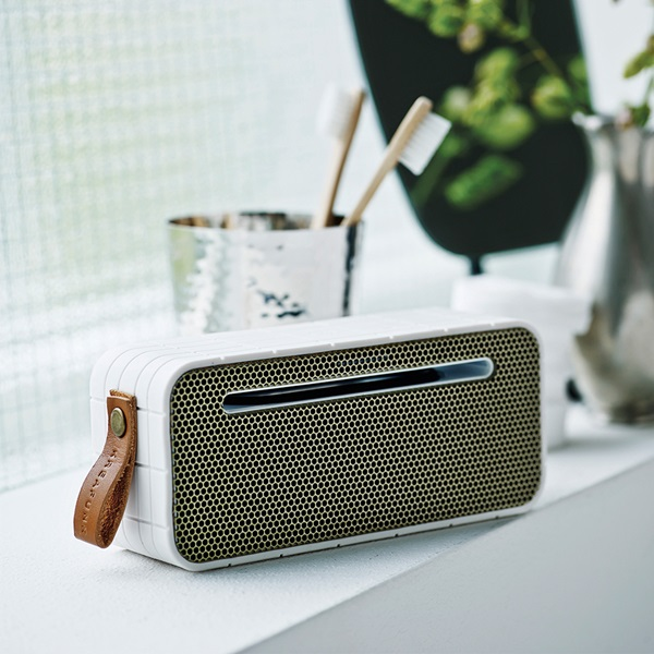 Portable-Bluetooth-Speaker-aMove-White.jpg