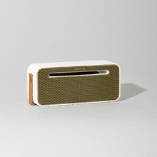Portable-Speaker-aMove-White.jpg