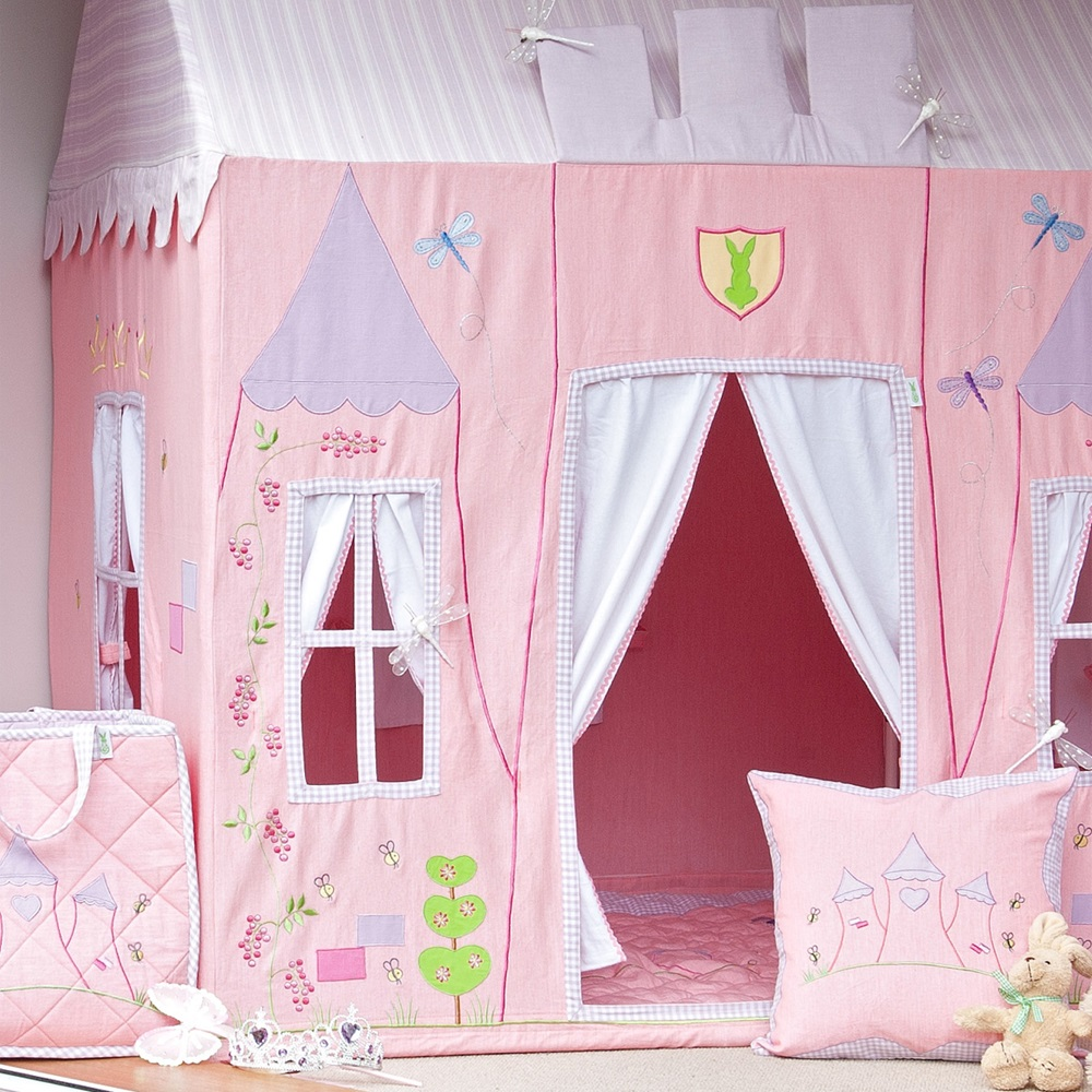 princess castle play house by win green toys. Black Bedroom Furniture Sets. Home Design Ideas