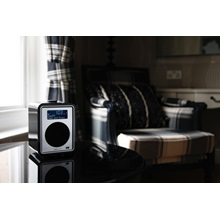 RUARK-AUDIO-R1-Desktop--Portable-Radio-in-Midnight-Black-High-Gloss-Lacquer_5.jpg