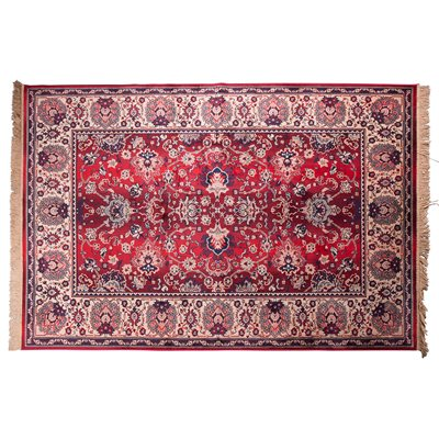 BID ANTIQUE STYLE PERSIAN RUG in Old Red