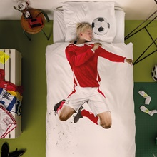 Red-Duvet-Football-Lifestyle-Detail.jpg