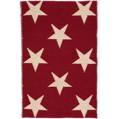 INDOOR OUTDOOR STAR RUG in Red Ivory
