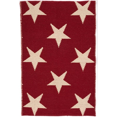 INDOOR OUTDOOR STAR RUG in Red Ivory