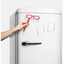 Red-See-Magnet-Fridge-By-See-Concept.jpg