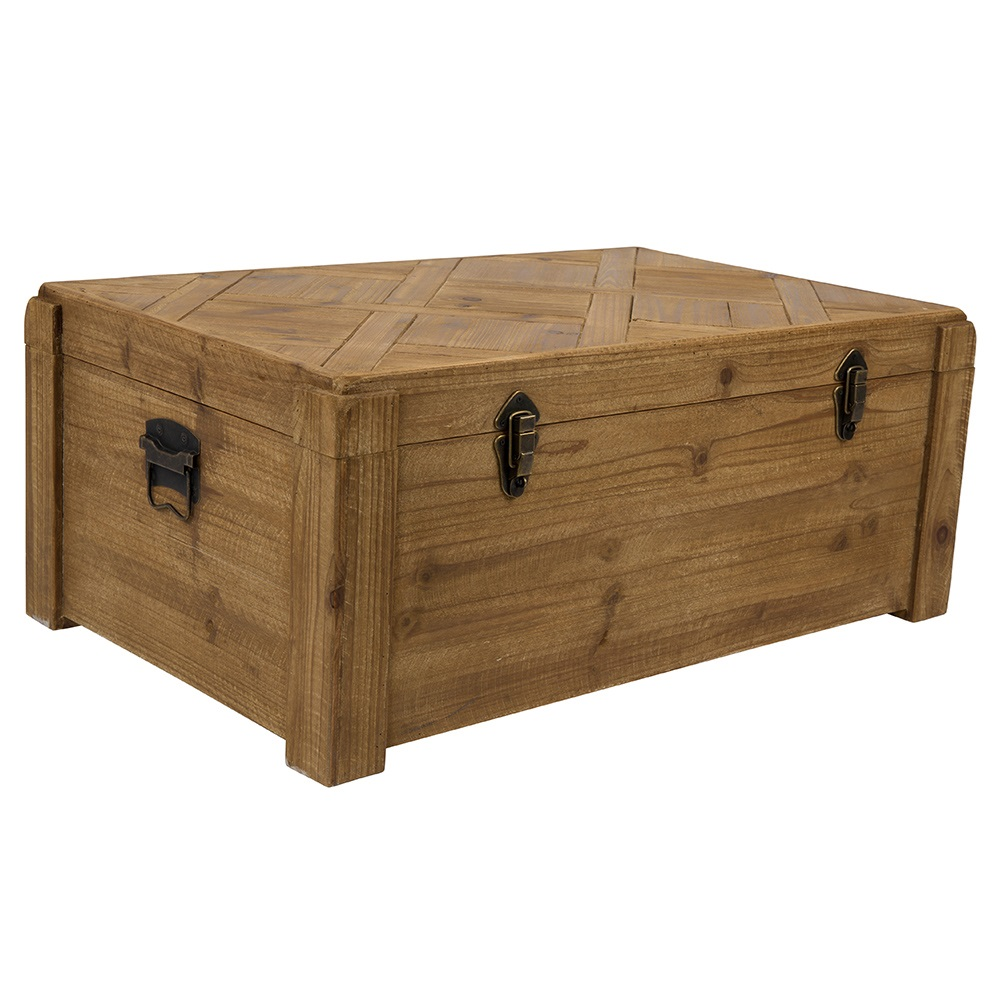lon wooden trunk in treasure chest design home garden cuckooland. Black Bedroom Furniture Sets. Home Design Ideas