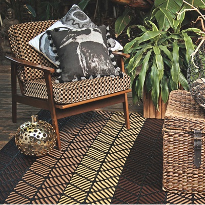 FAB HAB SEATTLE OUTDOOR RUG in Brown