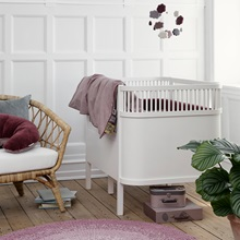 Sebra-White-Cotbed-with-Pink-Duvet.jpg