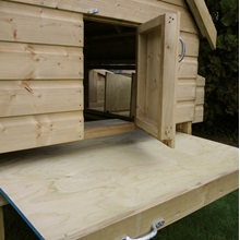 Slide-Out-Floor-for-Large-Chicken-Coop.jpg