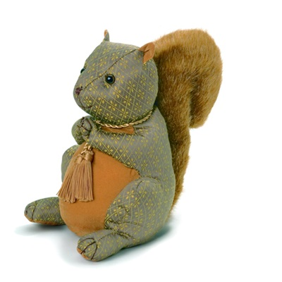 HAZEL NUT BROWN SQUIRREL ANIMAL DOORSTOP