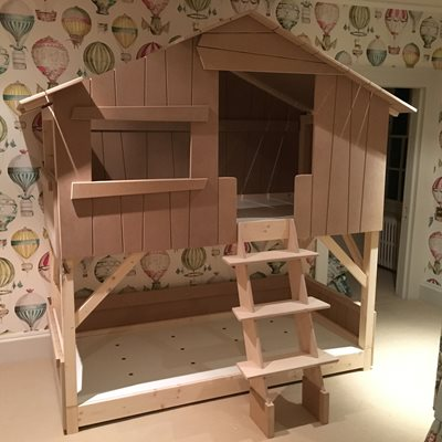 KIDS TREEHOUSE BUNKBED in Natural Pine & MDF