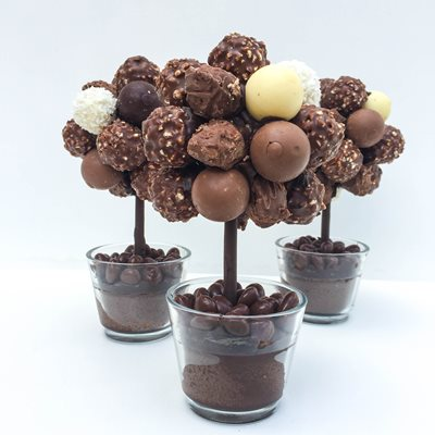 PERSONALISED CHOCOLATE MIXED TRUFFLE SWEET TREE