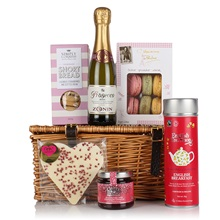 Tea-and-Bubbles-Luxury-Gift-Hamper.jpg