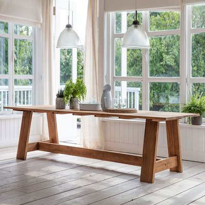 Garden Trading Whitcombe Dining Table in Teak