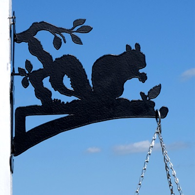 Hanging Basket Bracket in Squirrel Design