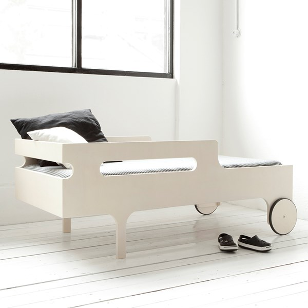 Cool Toddler Bed in White