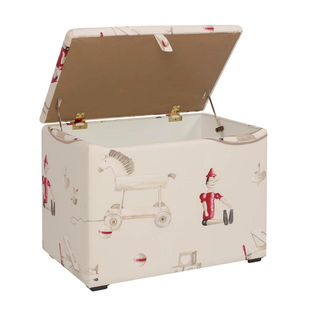 Childrens Toy Box In Classic Design