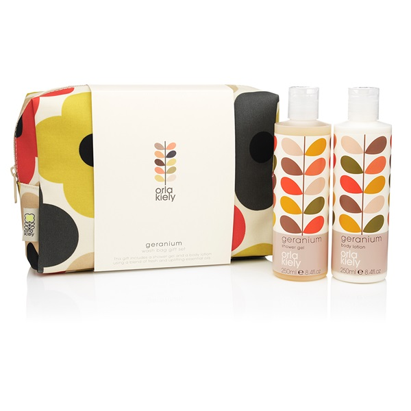 Travel-Toiletry-Bags-Makeup-Orla-Kiely.jpg