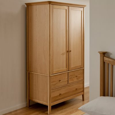 WILLIS & GAMBIER SPIRIT DOUBLE WARDROBE with 3 Drawers