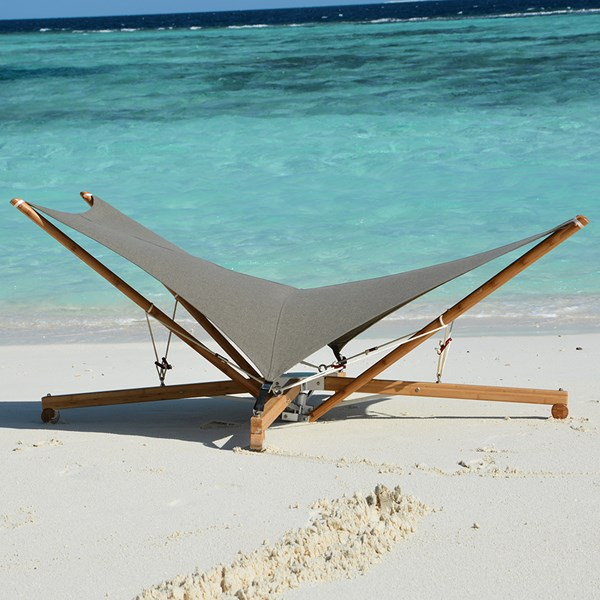 Luxury Beach Sunbed with Unique Bamboo Base