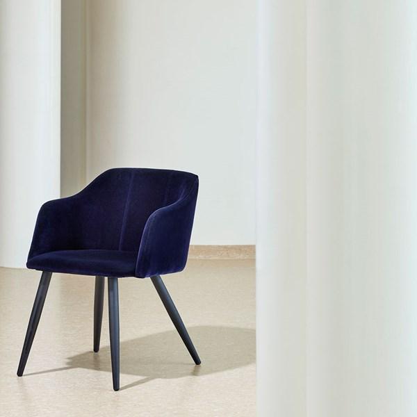 Broste Copenhagen Pernilla Velvet Chair