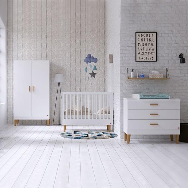 Lounge Cot 3 Piece Nursery Set in White & Oak