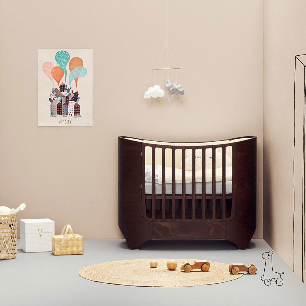 Leander Cot Amp Junior Bed In Walnut Leander Cuckooland