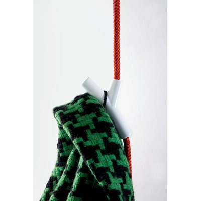 WARDROPE Hanging Clothes Hook in Red & White