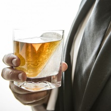 Whiskey-Wedge-Drinks-Tumbler-Lifestyle4.jpg