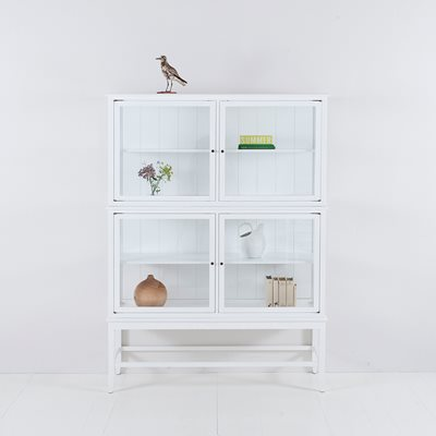 GLASS CABINET WITH LEGS in Seaside White