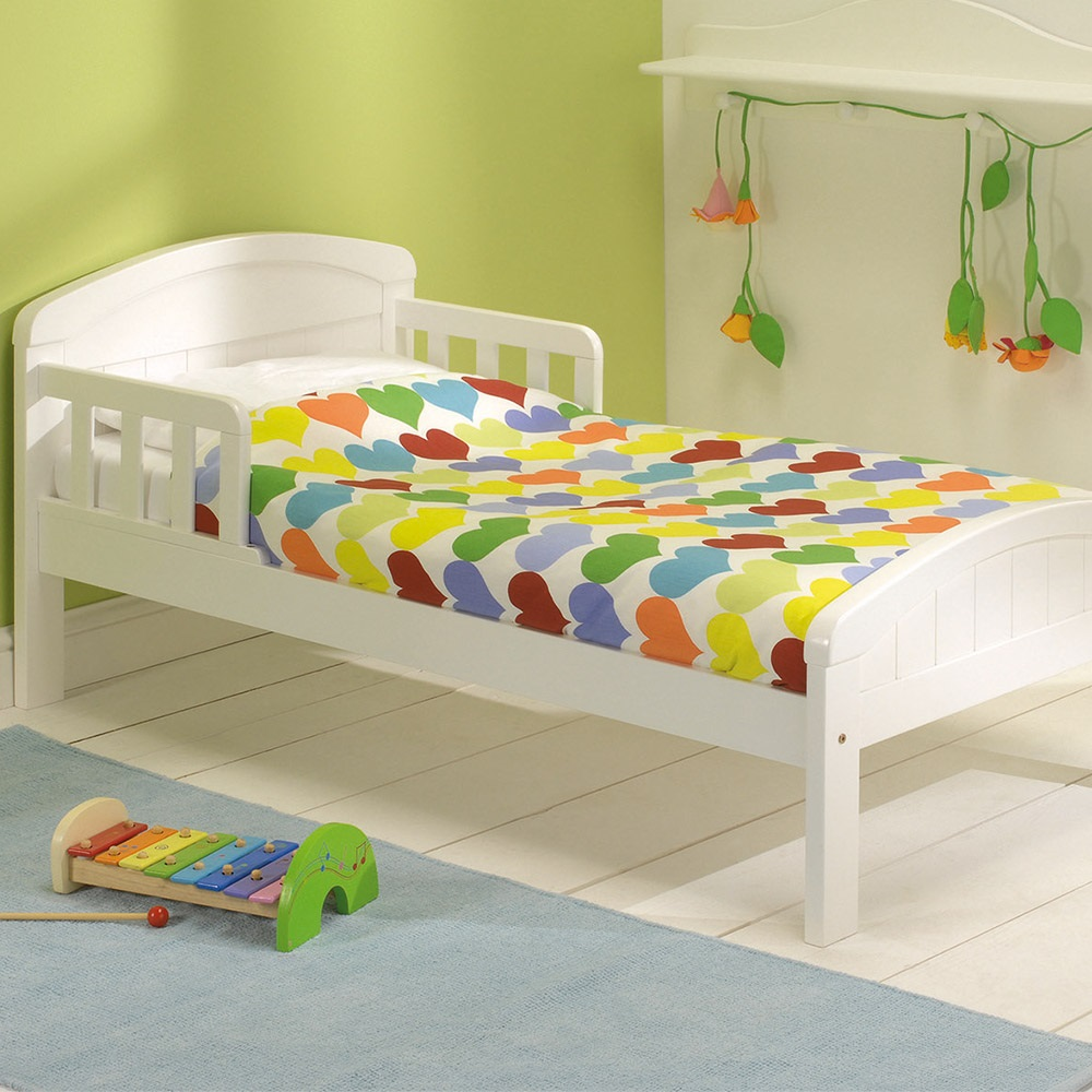 Toddler Bed In Country White Design