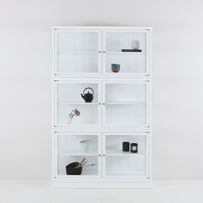 SMALL GLASS CABINET in Seaside White