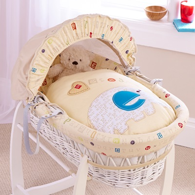 WHITE WICKER MOSES BASKET in ABC Design