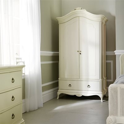 WILLIS & GAMBIER IVORY DOUBLE WARDROBE with Drawer