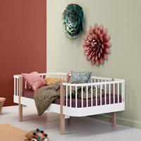 Oliver Furniture Oliver Furniture Wood Junior Day Bed - White & Oak