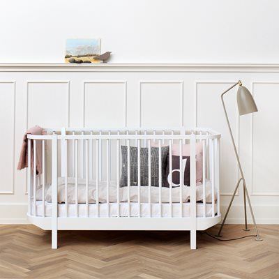 BABY & TODDLER LUXURY WOOD COT BED in White