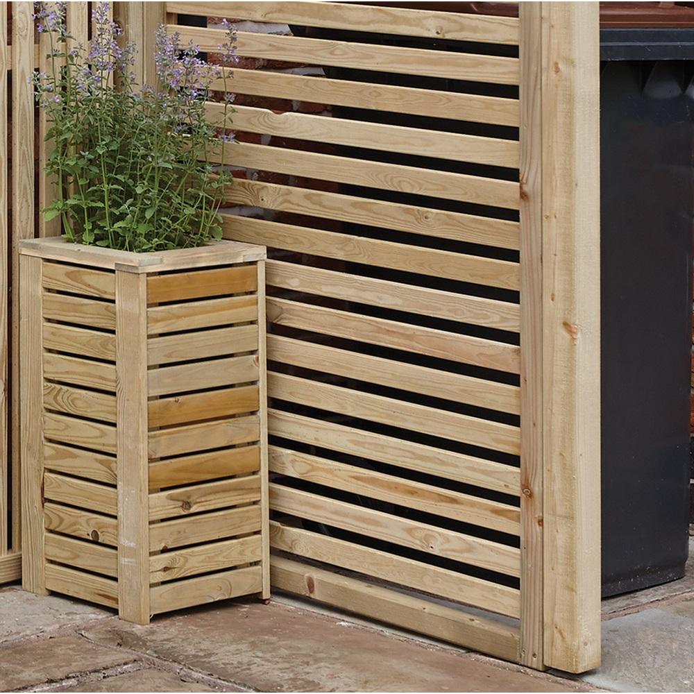 Rowlinson horizontal slat garden screens tools
