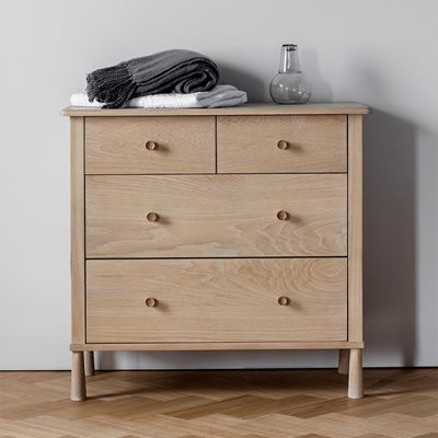 WYCOMBE OAK CHEST OF DRAWERS by Frank Hudson