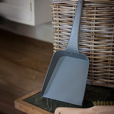 ASH FIREPLACE SHOVEL in Charcoal
