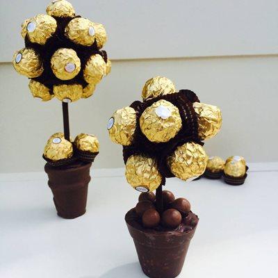 PERSONALISED FERRERO ROCHER CHOCOLATE SWEET TREE