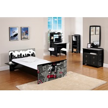 lifestyle-room-black-skate-easy-fit.jpg