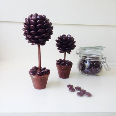 PERSONALISED CHOCOLATE MINSTREL SWEET TREE