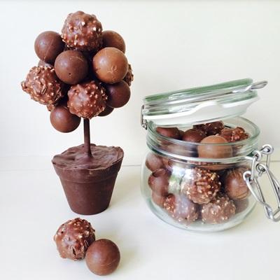 PERSONALISED CHOCOLATE MIXED TRUFFLE SWEET TREE