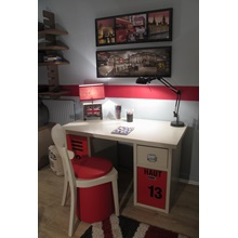 new-worker-desk-lifestyle-red.jpg