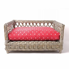 raised-rattan-dog-bed-red-raspberry-01.jpg