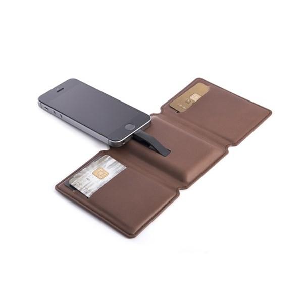 Seyvr Phone Charging Wallet in Brown