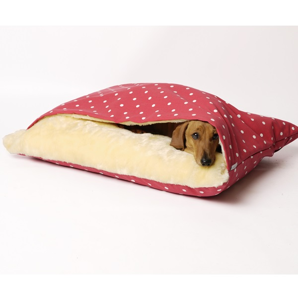 snuggle-bed-dotty-red-raspberry-01.jpg