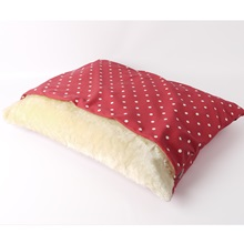 snuggle-bed-dotty-red-raspberry-03.jpg