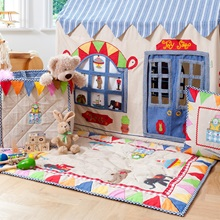 toy-shop-floor-quilt-lifestyle-win-green.jpg